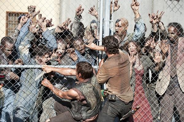 the-walking-dead-zombie-mob