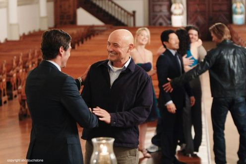 FOREGROUND: MATTHEW FOX, TERRY O'QUINN; BACKGROUND: CYNTHIA WATROS, DANIEL DAE KIM, EVANGELINE LILLY, JORGE GARCIA, JOSH HOLLOWAY