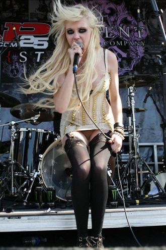 taylor momsen the pretty reckless 2