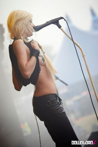 taylor momsen the pretty reckless 3