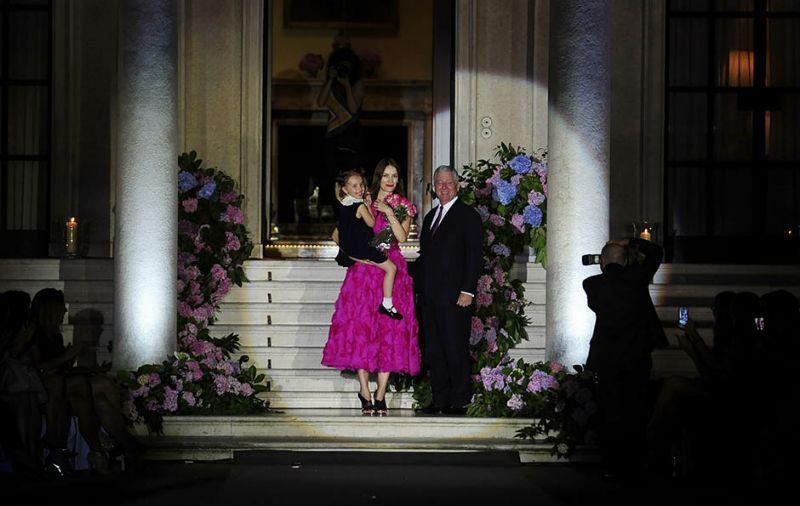 Kreatorka Roksanda Ilincic sa cerkom i princ Aleksandar II Kardjordjevic .FOTO-TANJUG/ TANJA VALIC